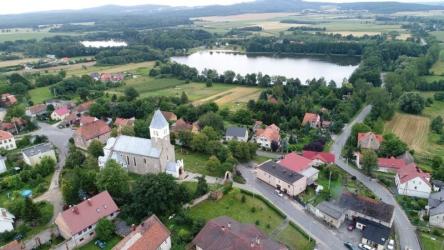 Biały Kościół. Widok na Kościół Nawiedzenia NMP